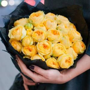 Букет 9 веток желтой пионовидной розы R689