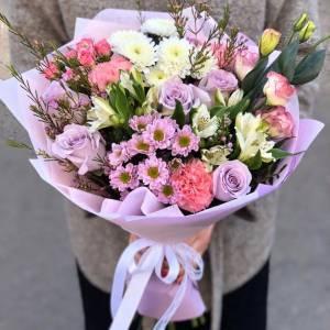 Сборный букет с розовой хризантемой R1128