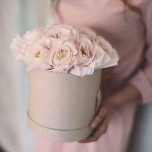 Коробка 21 нежная пионовидная роза R451